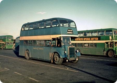 United Services - Leyland Titan PD2/3 - BCK 460