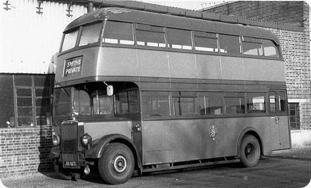 Smiths Luxury Coaches Leyland Titan PD1