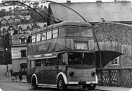 Hull Corporation Leyland TB2 Trolleybus CRH 928_lr