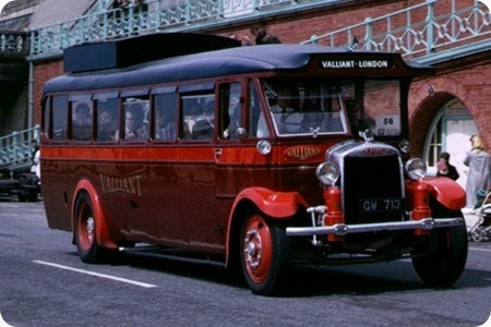 Valliant Direct Coaches - Gilford 168OT - GW 713