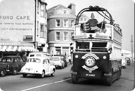 Hastings Tramways – Guy BTX – DY 4965 – 3 – 'Happy Harold'
