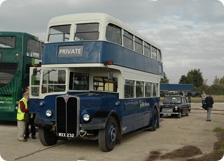 London Transport - AEC Regent III - MXX 232 - RLH 32