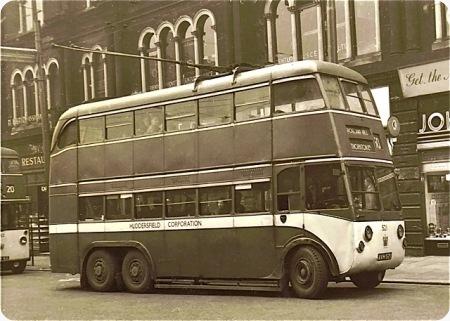 Huddersfield Corporation - Karrier E6 - AVH 521 - 521