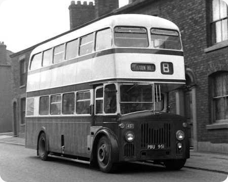 Oldham Corporation - Leyland Titan - PBU 951 - 451
