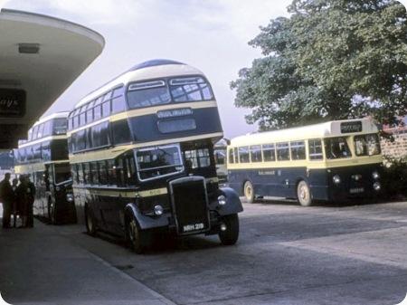 East Yorkshire - Leyland Titan PD2 - NRH 219 - 608