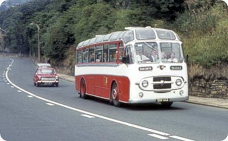 Ellen Smith's Tours – Leyland Worldmaster – SDK 442