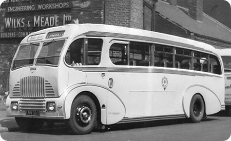 Wallace Arnold Tours - Leyland Tiger - LNW 262