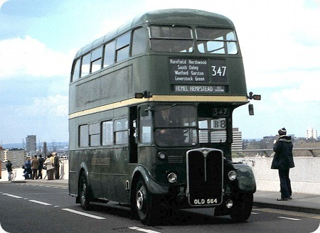 London Transport – AEC Regent III RT – OLD 564 – RT4777