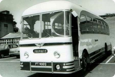 Wakefields Motors - AEC Reliance - FT 9002 - 202