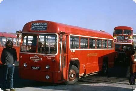 London Transport - AEC Regal IV - MLL 971 - RF 334
