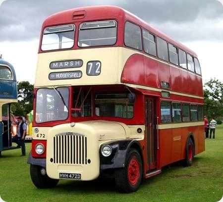 Huddersfield Corporation - Daimler CVG6 - HVH 472D - 472