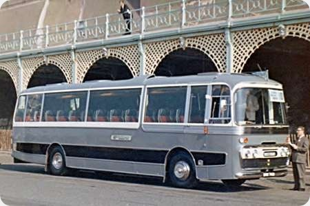Whitefriars Coaches - Ford R226 - DNM 761D