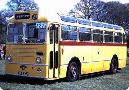 Bournemouth Corporation - Leyland Royal Tiger - NLJ 272 - 262