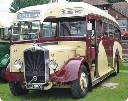 Charlie's Cars - Albion Valiant - LJ 9501 - 57