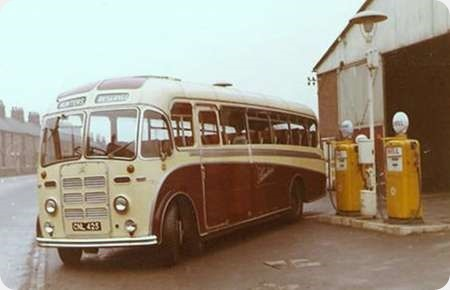 H W Hunter and Sons - Leyland Tiger - CNL 425 22