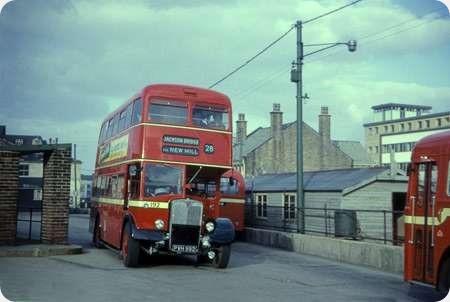 Huddersfield Corporation - AEC Regent V - PVH 992 - 192